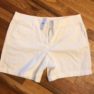 White shorts, BRAND NEW!
